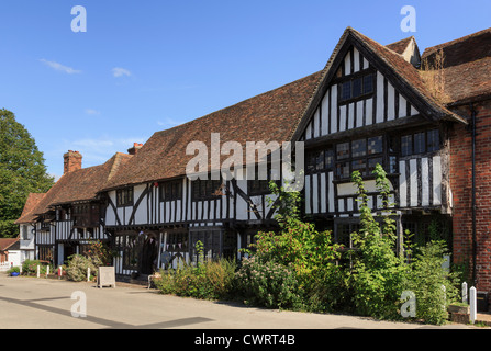 Row of timber-framed Tudor period houses in picturesque medieval Kentish village square, Chilham, Kent, England, - Stock Photo