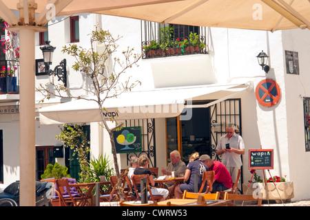 Restaurant in a corner of the Plaza de la Iglesia, in the heart of the old town area of Altea on the Costa Blanca, - Stock Photo