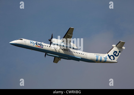 Flybe De Havilland Canada DHC-8-402Q Dash 8 take off at Manchester Airport - Stock Photo