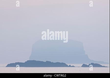 Bass Rock near North Berwick, East Lothian, Scotland. - Stock Photo