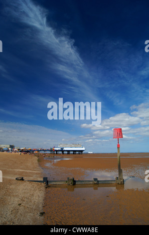 UK,Lincolnshire,Cleethorpes,Pier,Beach & Groynes at Low Tide - Stock Photo