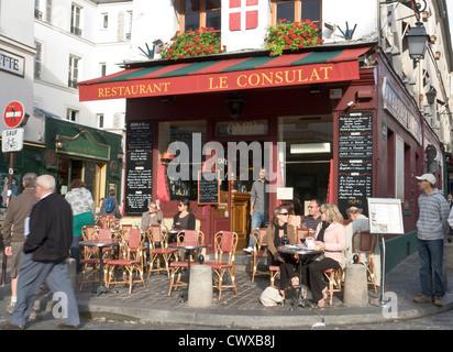 People sidewalk cafe restaurant le latin saint michel for Restaurant le miroir montmartre