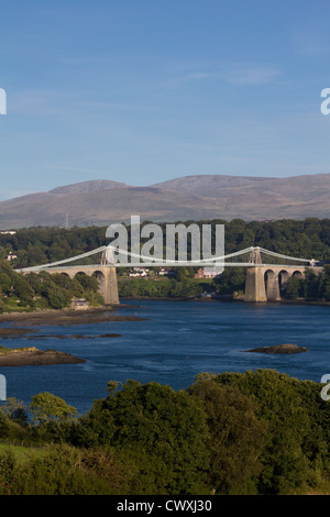 Menai suspension bridge, linking Anglesey to the mainland. - Stock Photo