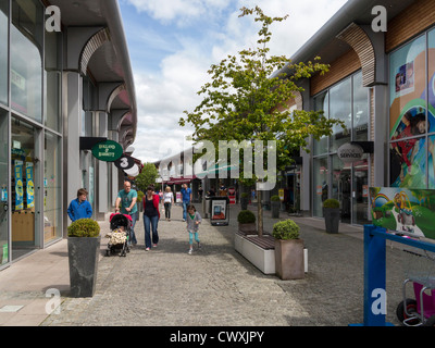 Shoppers at The Outlet, Banbridge, County Down, Northern Ireland - Stock Photo