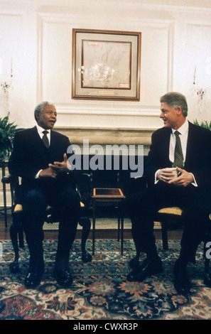 US President Bill Clinton meets with South African President Nelson Mandela after presenting him with the Congressional - Stock Photo