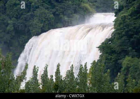 China's largest waterfall: Huangguoshu Waterfall in Guizhou Province - Stock Photo