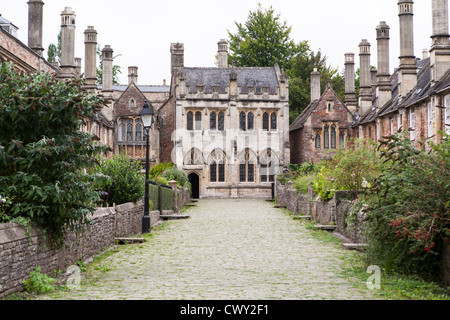 Vicars Close in Wells Somerset. View of the Chapel on what is claimed to be the oldest purely residential street - Stock Photo