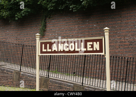 Platform sign at the steam preservation railway at  Llangollen, Wales - Stock Photo