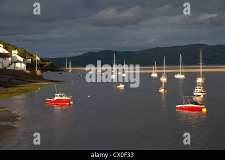 Evening light at  Aberdyfi (Aberdovey) on the Dyfi estuary, Snowdonia National Park, Gwynedd, North Wales, UK - Stock Photo