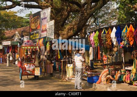 Elk201-3478 India, Kerala, Kochi, Jew Town, handicraft stores street scene - Stock Photo