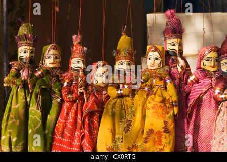 Elk201-3498 India, Kerala, Kochi, Jew Town, handicraft store, puppets - Stock Photo