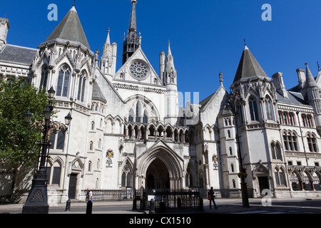 The Royal Courts of Justice, home of the Supreme Court.  The Strand, London, England. UK - Stock Photo