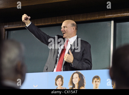 ITAR-TASS: MOSCOW, RUSSIA. NOVEMBER 1, 2010. Microsoft's chief executive Steve Ballmer speaks at his lecture on - Stock Photo