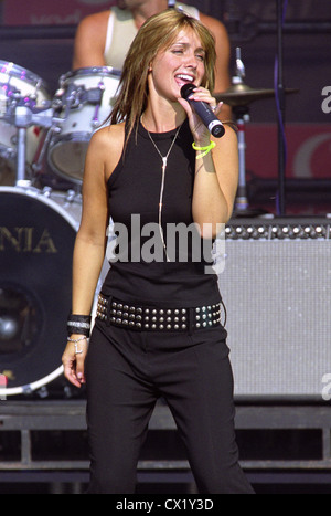 Louise Nurding, now Louise Redknapp, singing on stage at Bristol Balloon Fiesta concert in 2003 - Stock Photo
