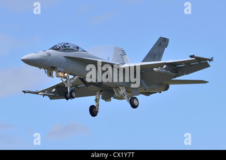 Boeing F/A-18F Super Hornet operated by VFA-22 of the US Navy on approach for landing at Farnborough International Airshow 2012 Stock Photo