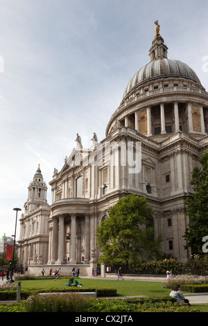 South facing facade of Saint Paul's Cathedral with gardens and dome. - Stock Photo