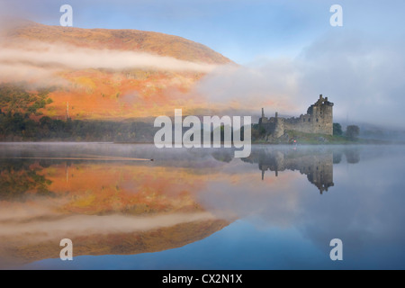 A misty morning beside Loch Awe with views to Kilchurn Castle, Argyll & Bute, Scotland. Autumn (October) 2010. - Stock Photo