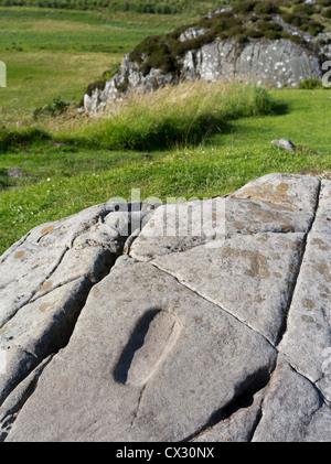 dh Kilmartin Glen DUNADD ARGYLL Stone footprint Dunadd Hillfort Crag fort Dalriada