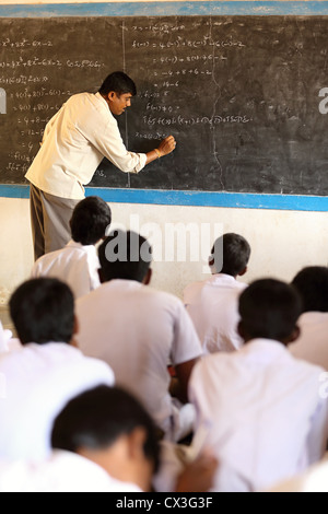 Math class with teacher and students Andhra Pradesh South India - Stock Photo