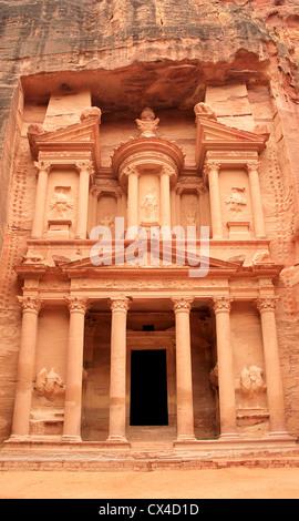 'The treasury' at Petra, Lost rock city of Jordan. - Stock Photo