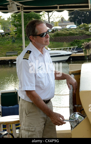 """Tour boat """"Sam Patch"""" on Erie canal Stock Photo: 50507078 ..."""