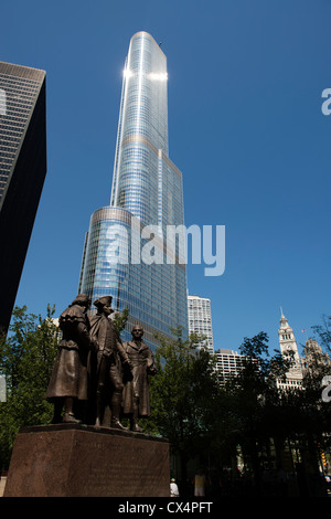 Heald Square Monument with Trump Tower and Chicago skyline beyond. - Stock Photo