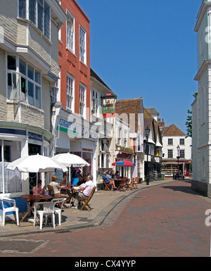 Alfresco dinning and refreshments in the attractive historic Court Street of this thriving market town - Stock Photo