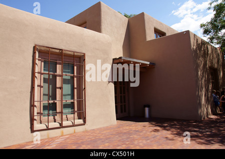 georgia o'keefe okeeffe museum santa fe new mexico nm classic historic modern masterpieces no people totto - Stock Photo