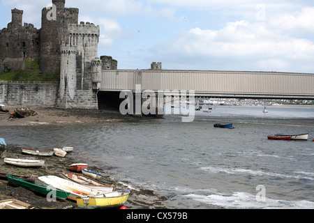 View of Conwy Castle and railway bridge from Benarth road - Conwy - Wales - UK - Stock Photo