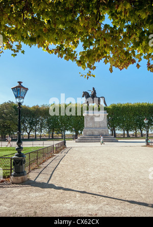 Mounted statue of Louis XIV at the Place Royale Du Peyrou, Montpellier, Southern France - Stock Photo