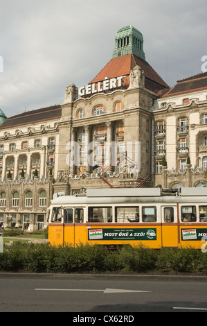 Elk190-1284v Hungary, Budapest, Buda, Gellert Hotel, 1918 with yellow tram - Stock Photo