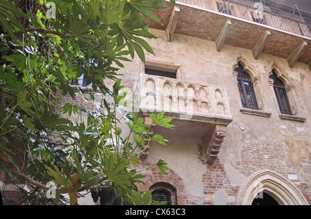 Juliets House (Casa di Giulietta) with the most famous balcony in Verona, Veneto, Italy - Stock Photo