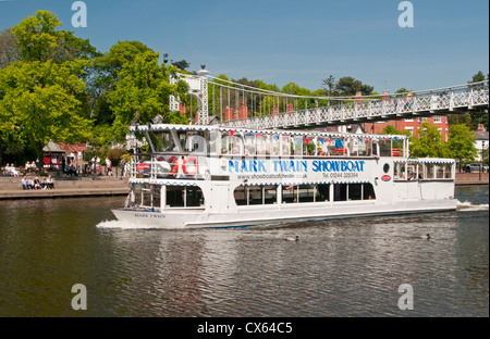 Mark Twain Tourboat on River Dee Beneath Queens Park Bridge, The Groves, Chester, Cheshire, England, UK - Stock Photo