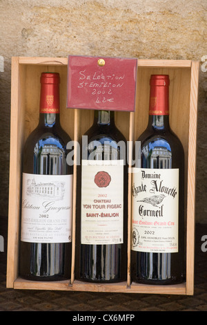 Wine on sale in Saint-Emilion, Gironde, France - Stock Photo
