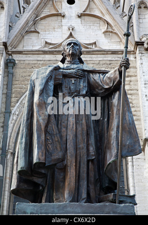 Brussels - cardinal Mercier statue by st. Michaels cathedral - Stock Photo