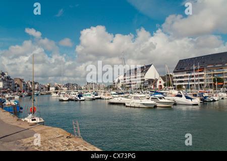 Busy marina in Le Pouliguen, Loire Atlantique, Pays de la Loire, France, Europe. - Stock Photo