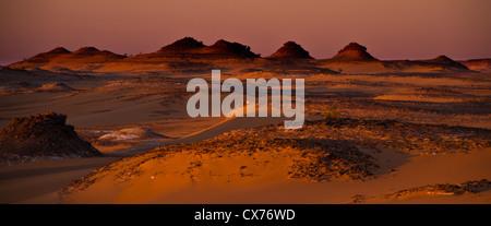 Sunrise ennedi mountains desert Chad - Stock Photo