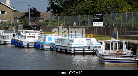 leisure cruising boats moored up in great yarmouth yacht station norfolk england uk - Stock Photo