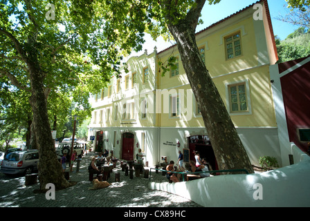 ALGARVE, PORTUGAL. A shady square and cafe in the hill spa of Caldas de Monchique. 2012. - Stock Photo