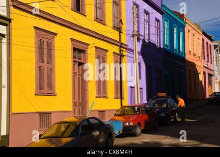 Elk198-1395 Chile, Valparaiso, Cerro Conception, street scene with houses - Stock Photo