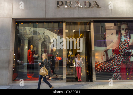 New York City, NY, USA, Woman Shopping, Street Scenes, Luxury Fashion Brands, Shops, Prada on Fifth Avenue, Manhattan - Stock Photo