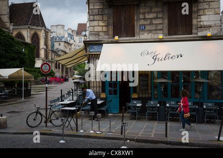Restaurant in paris near jardin du luxembourg stock photo for Restaurant jardin paris