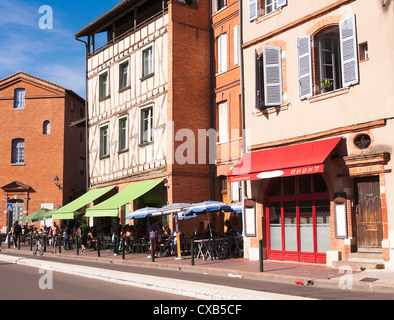 Cafe des Artistes and Restaurant 4 Z'arts in Place de la Daurade Toulouse Haute-Garonne Midi-Pyrenees France - Stock Photo