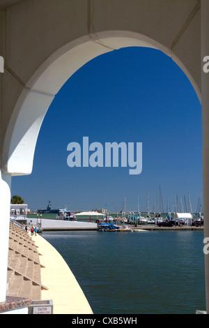 Promenade and seawall at Corpus Christi, Texas, USA. - Stock Photo