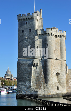 The medieval tower tour Saint-Nicolas in the old harbour / Vieux-Port at La Rochelle, Charente-Maritime, France - Stock Photo