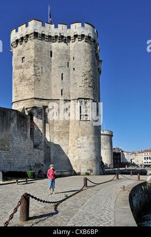 The medieval tower tour Saint-Nicolas in the old harbour / Vieux-Port, La Rochelle, Charente-Maritime, Poitou-Charentes, - Stock Photo