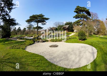 Japanese Gateway Chokushi-Mon, Gateway of Imperial Messenger, Royal Botanic Gardens, Kew, UNESCO World Heritage - Stock Photo