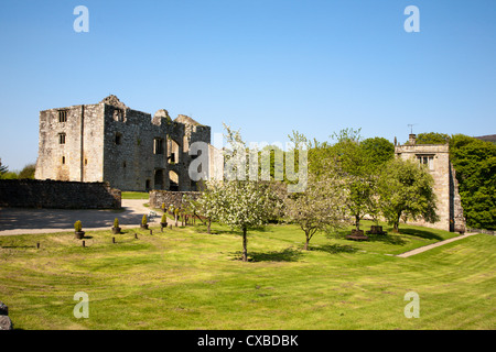 Barden Tower and Priests House Restaurant, Barden, Bolton Abbey Estate, Wharfedale, Yorkshire Dales, Yorkshire, - Stock Photo