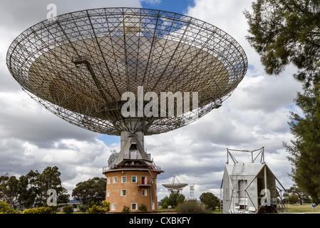 Parkes Radio Telescope, Parkes, NSW Australia - Stock Photo
