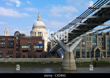 UK, London seen from the Thames river, the Millennium bridge and the St Paul's dome - Stock Photo
